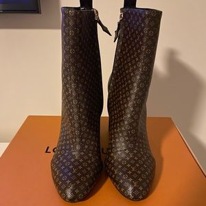 Louis Vuitton Ankle Booties